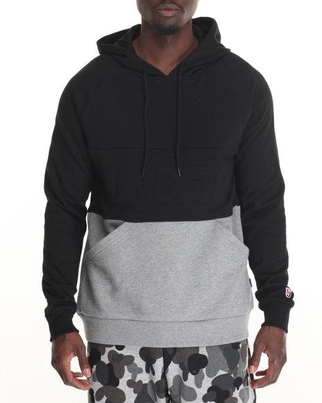 Undftd - Men Black Out Runner Pullover Hoodie