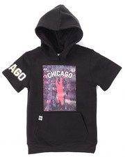 Akademiks - ELONGATED S/S CHICAGO HOODY (4-7)
