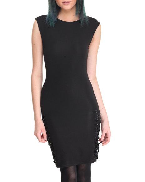 La Belle Roc - Women Black Side Lace Me Dress