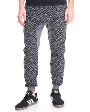 Men - Diamond Print Jogger
