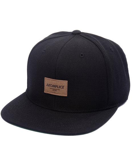 Akomplice Men Label Hat Black