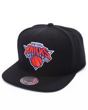 Mitchell & Ness - New York Knicks Wool Solid Snapback Cap