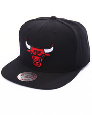 Mitchell & Ness - Chicago Bulls Wool Solid Snapback Cap