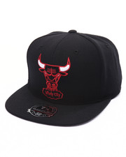 Mitchell & Ness - Chicago Bulls Team Solid HWC High Crown Fitted Cap