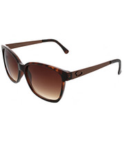 Sunglasses - Pointed Retro Square Metal Temple Sunglasses