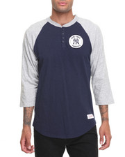 Mitchell & Ness - New York Yankees MLB Unbeaten Henley Tee