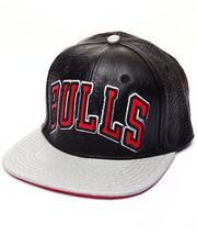 Men - BULLS JERSEY FONT PREMIUM LEATHER STRAPBACK CAP