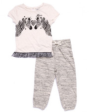 Sizes 4-6x - Kids - 2 PC SET - ZEBRA TOP & CAPRIS (4-6X)