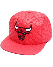 NBA, MLB, NFL Gear - Chicago Bulls Quilted 20 D Snapback Cap