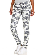 Basic Essentials - Camo Print Skinny Jean