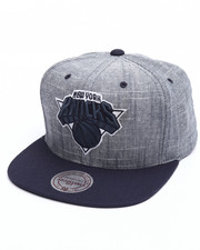 Mitchell & Ness - New York Knicks Slub Linen Snapback Cap