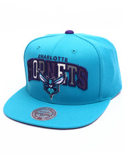 Mitchell & Ness - Charlotte Hornets Reflective Tri Pop Arch Logo Snapback Cap