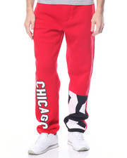 Basic Essentials - Chicago Patched Fleece Pants