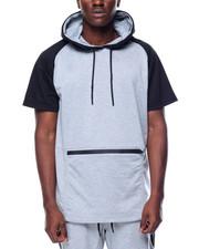 T-Shirts - Pelham Hoodie