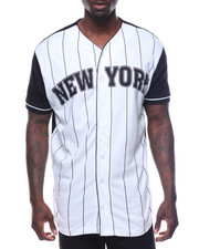 Buyers Picks - Short Sleeve NY Baseball Tee