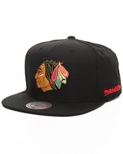 NBA, MLB, NFL Gear - Chicago Blackhawks Black Ripstop Honeycomb Vintage Snapback Cap