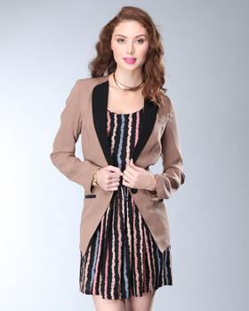DJP Boutique - Contrast Collar Blazer