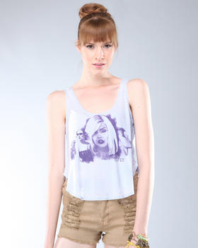DJP OUTLET - Pretty Blondie Tee
